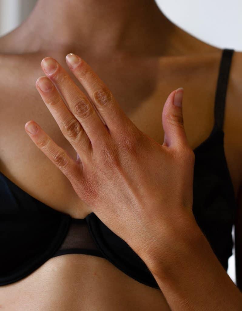 Dark fake tanner results on hands