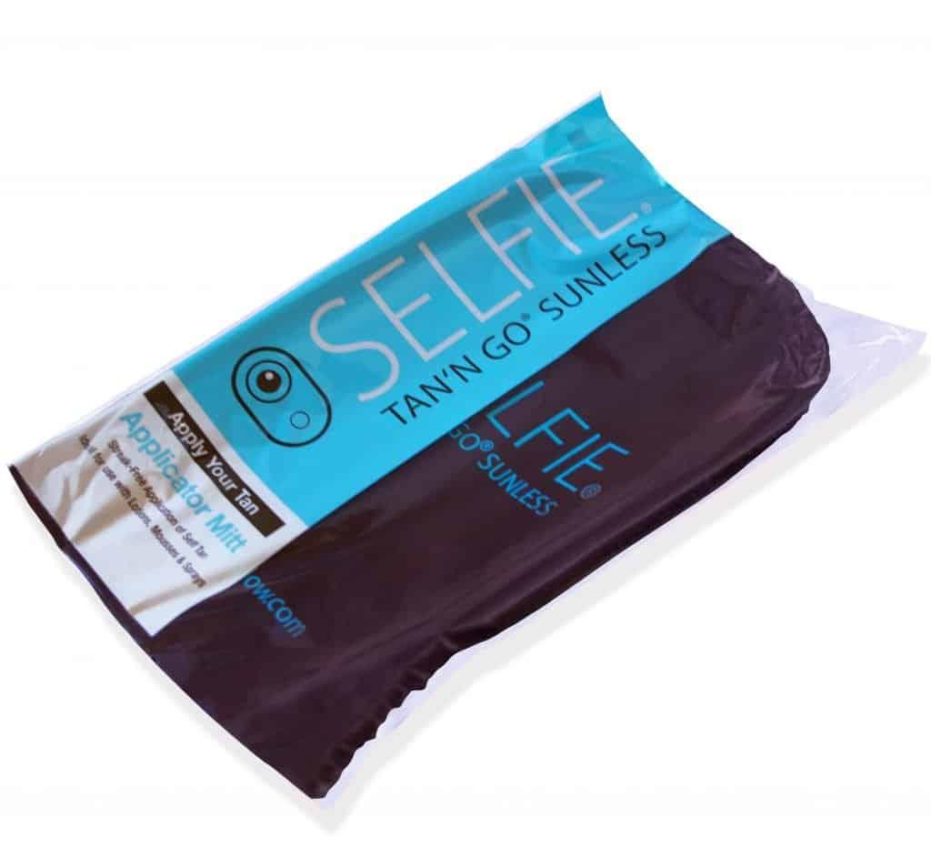 Selfie Tan'n Go Super Dark Tan applicator mitt